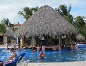 Grand Bahia Principe - Swim Up Bar